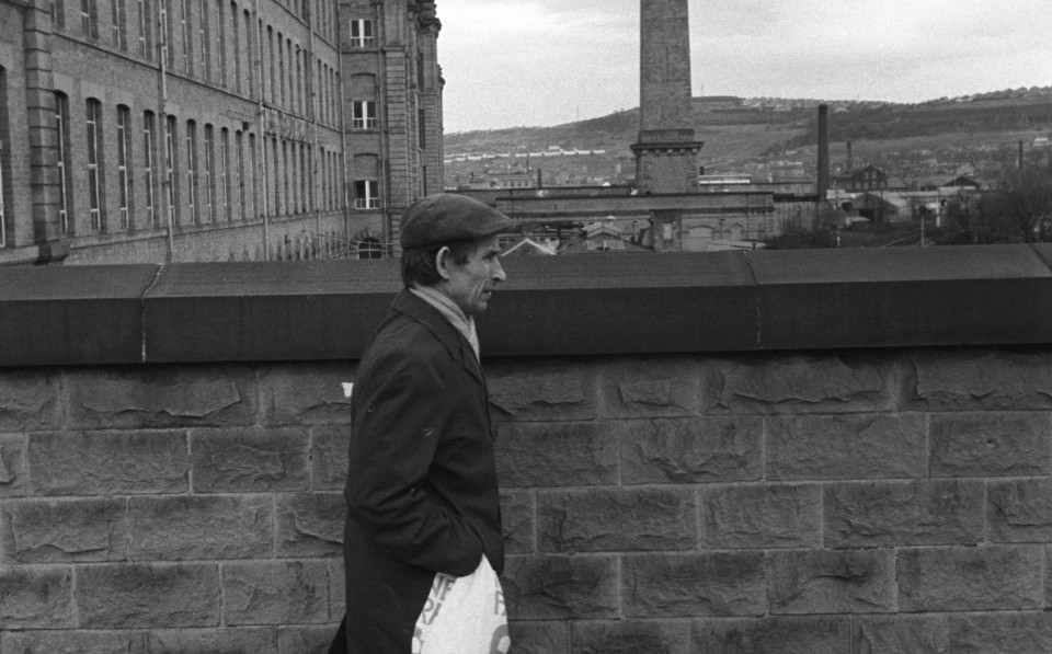 1980'S FACTORY WORK   ENGLAND WORKING CLASS SOCIETY SALTS MILL SALTAIRE nr BRADFORD YORKSHIRE 005